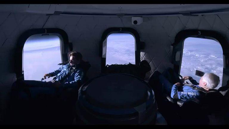 Por qué fue histórico el vuelo al espacio de Jeff Bezos