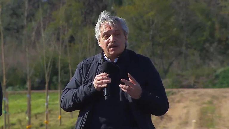 Alberto Fernández, micrófono en mano: sus frases improvisadas lo han expuesto a infinidad de conflictos