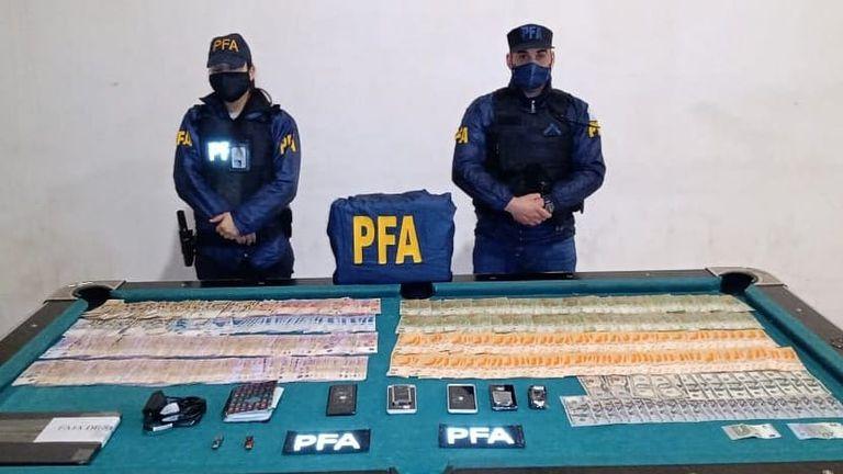 Breaking Bad en la Argentina: un profesor de química integraba una banda que traficaba cocaína en baldes de pintura