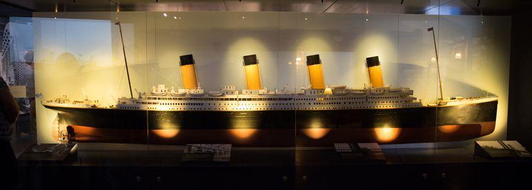 Titanic: el museo con forma de barco donde revivir la historia del naufragio