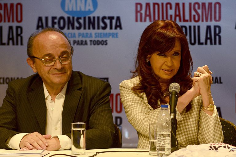 Un alfil de Cristina Kirchner pidió la renuncia de los jueces de la Corte