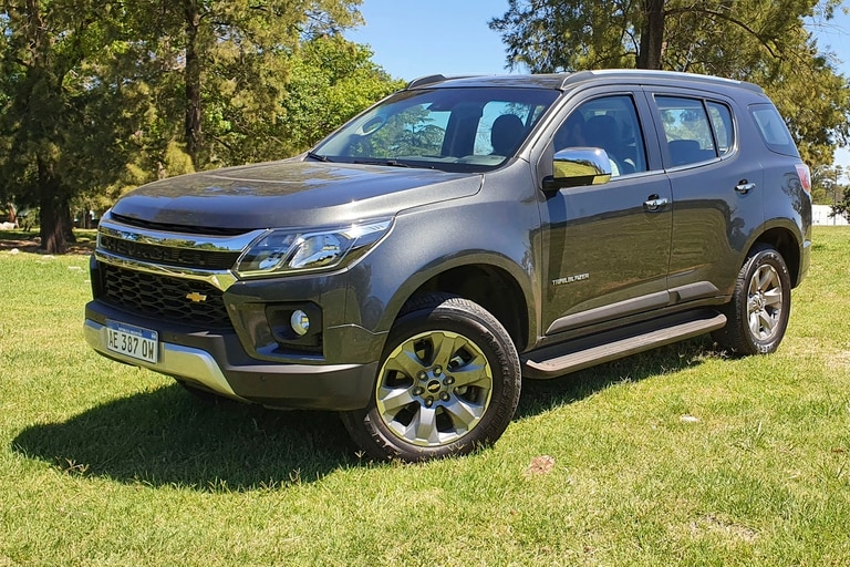 La nueva estética del frente está basada en la versión High Country de la S10 y sigue la línea de los vehículos de GM en Norteamérica