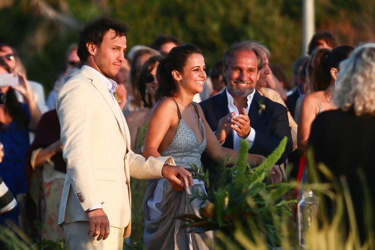 Sonia Caputo se casó con Santiago Giambruni en Punta del Este, con una gran presencia del arco político local en la ceremonia