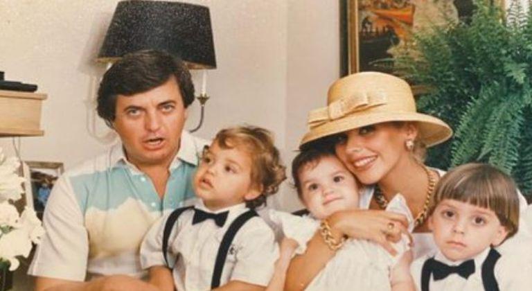 Liz y Omar Fassi Lavalle junto a sus hijos