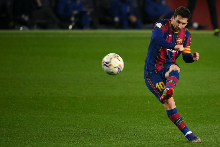 La TV del domingo: Barcelona con Messi, Premier League, Italia y Copa Maradona