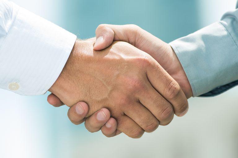 El sugestivo encuentro entre un intendente y un importante funcionario porteño