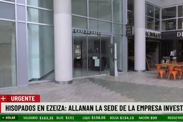 Allanan las oficinas de la empresa que hace los hisopados en Ezeiza