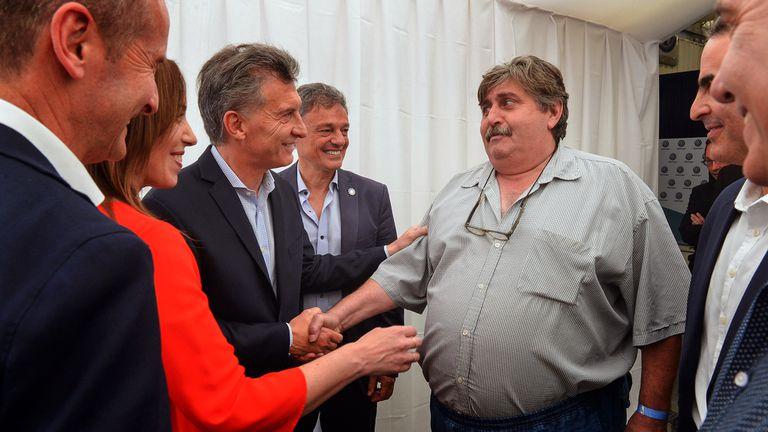 El presidente Mauricio Macri, en la planta de Volkswagen, junto a María Eugenia Vidal, Francisco Cabrera y el titular del sindicato de mecánicos, Ricardo Pignanelli