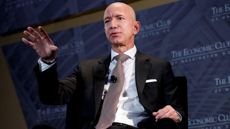Jeff Bezos es el hombre más rico del mundo con una fortuna de alrededor de US$200.000 millones