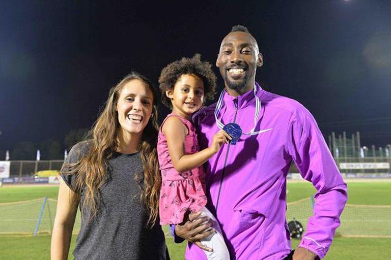 Donald Sanford, con su mujer Danielle Deker y su hija Amy