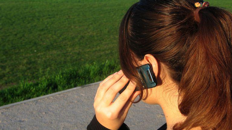 Los teléfonos básicos vuelven con modelos que cuestan desde 500 pesos y sin marcas reconocidas