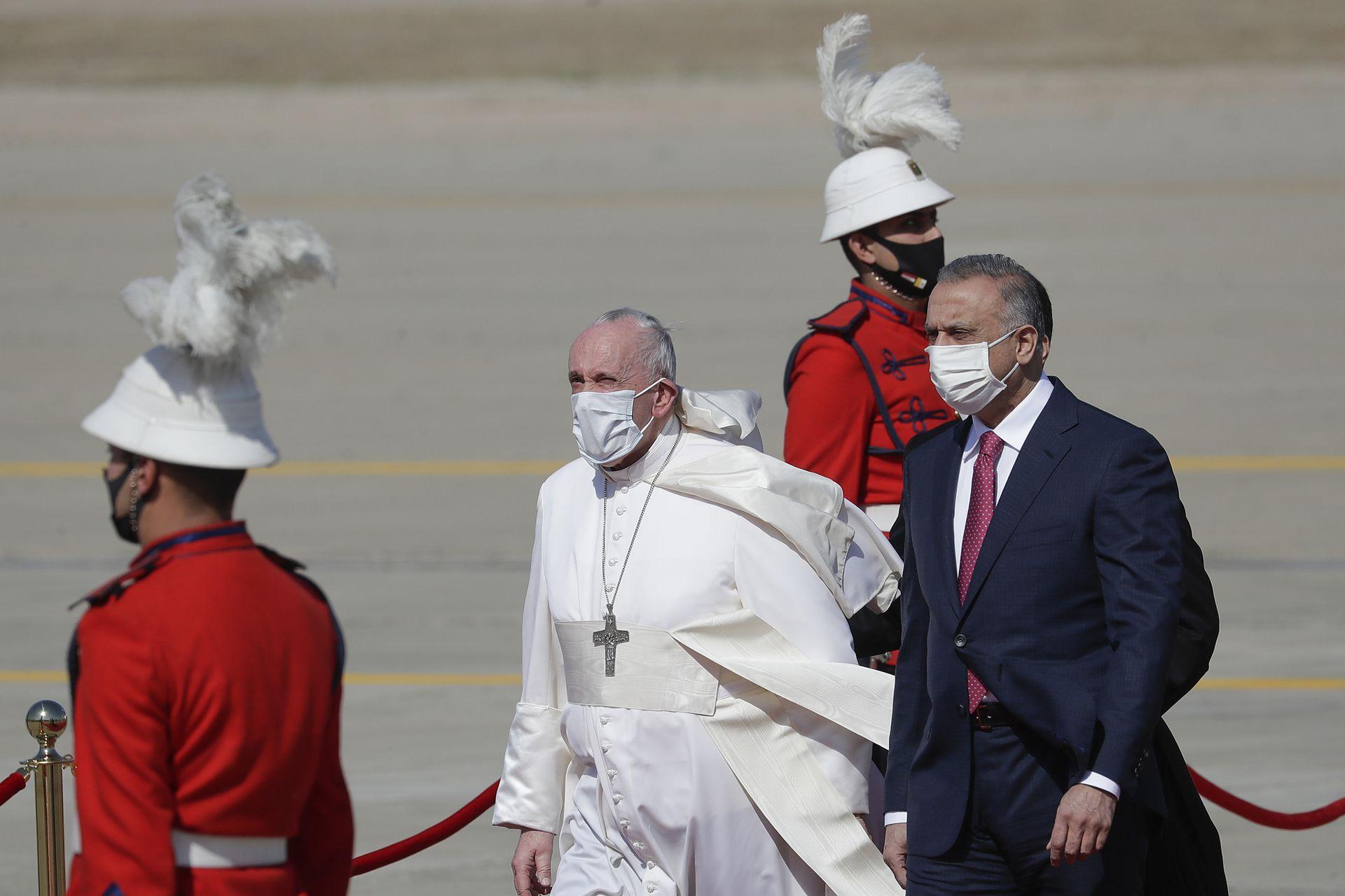 Francisco fue recibido por el primer ministro iraquí Mustafá Al Kadhemi