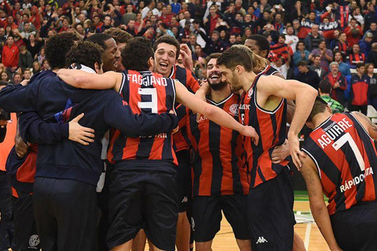 El festejo de San Lorenzo tras su clasificación a la final de Conferencia