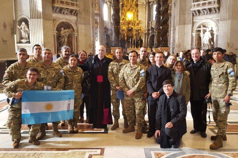 Los veinte soldados argentinos en misión de paz en Chipre fueron el miércoles a la audiencia general en el Vaticano con Olivera