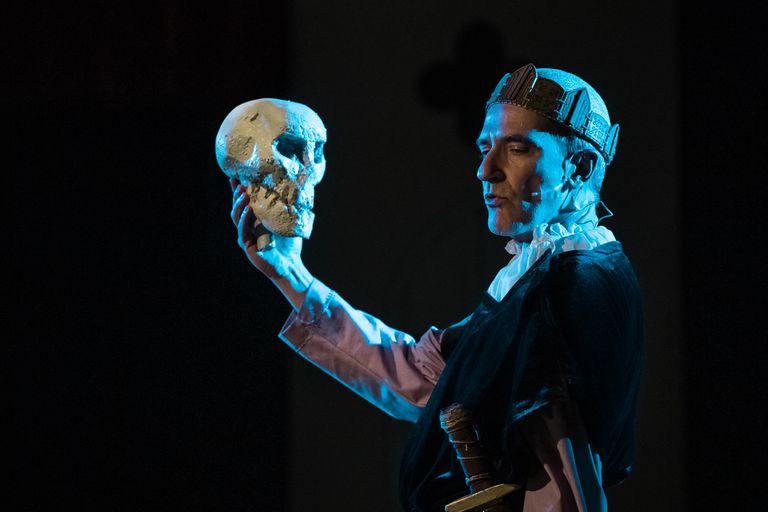Martín Salazar, en Maten a Hamlet... con Yorick