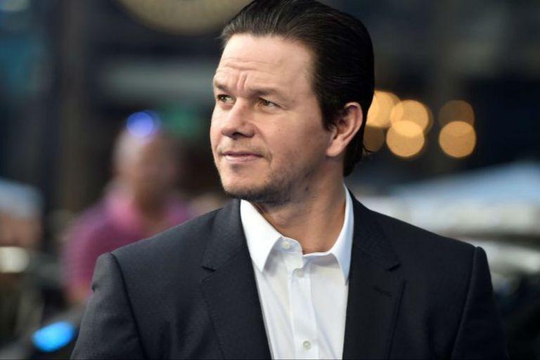 Mark Wahlberg se prepara para interpretar a un exboxeador convertido en sacerdote