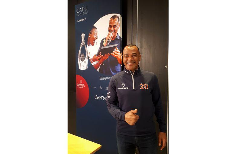 Cafú es uno de los miembros de la Academia Laureus, que este año entregó en Berlín, por 20a vez, sus premios anuales a las figuras mundiales; Lionel Messi y Lewis Hamilton fueron los ganadores del galardón principal.