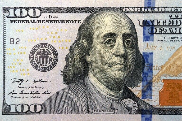 Esta semana, además, y por información que brindaron el Banco Central y la CNV, AFIP envió notificaciones a 2000 empresas que habrían incumplido los requisitos para acceder a la ayuda estatal para pagar salarios, el programa ATP
