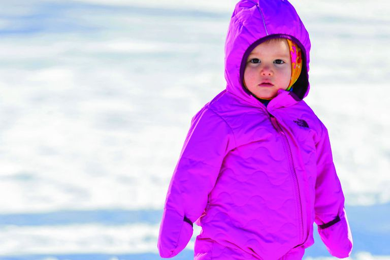 El año pasado, cuando visitaron Ushuaia en familia, Indra tenía ocho meses. Recién este invierno pudo disfrutar de la nieve y divertirse con sus hermanos varones.