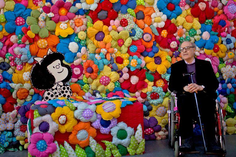 En septiembre de 2014, junto a Mafalda y rodeado de flores