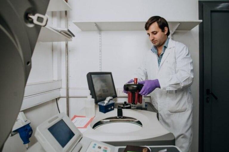 """""""Si íbamos a decir que había ribosomas en el medio extracelular, era de una responsabilidad mínima estar tan convencidos como pudiéramos de eso"""". Crédito: Sebastián Aguilar"""