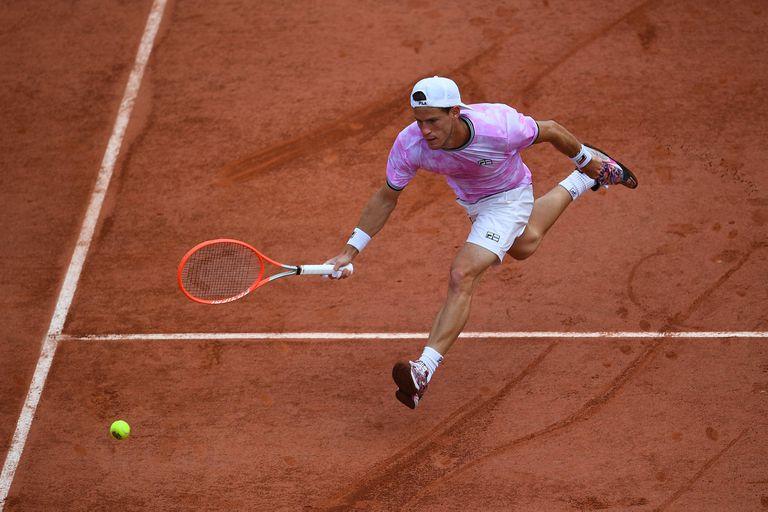 Diego Schwartzman, en acción en el estadio Suzanne Lenglen de Roland Garros