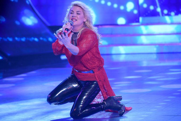 Para la gala de rock nacional, Esmeralda Mitre eligió un tema de Tan Biónica.
