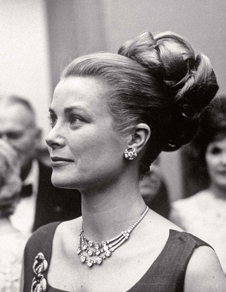 Hacía muchos años que no se veía la espectacular gargantilla de Cartier con tres hilos de diamantes que perteneció a la princesa Grace