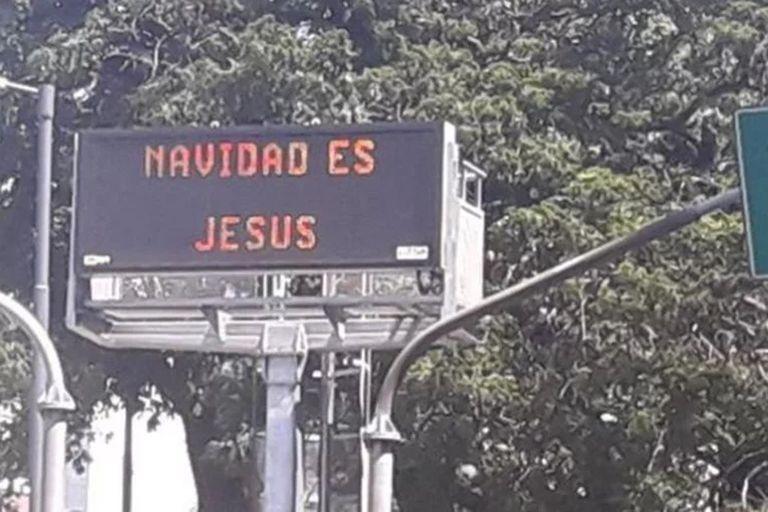 """""""Navidad es Jesús"""": por qué los carteles amanecieron con ese mensaje"""