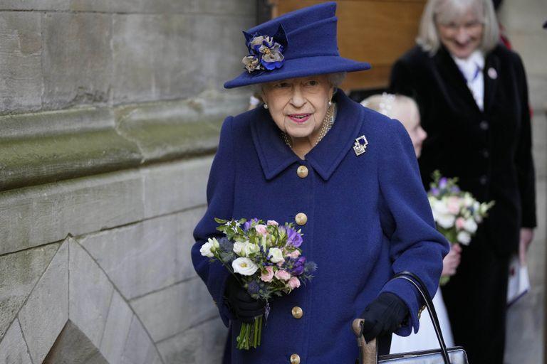 La Reina de Inglaterra busca personal de limpieza para Buckingham: qué sueldo ofrece
