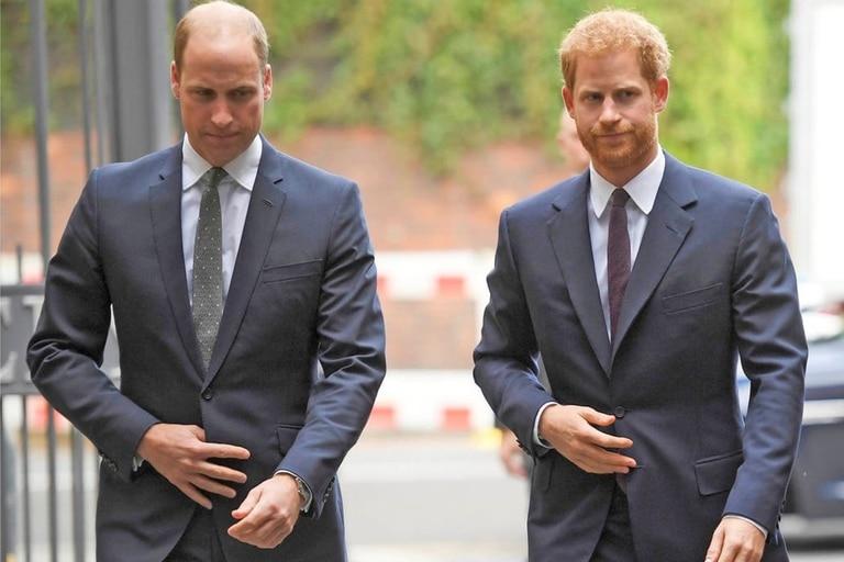 Según una fuente del Palacio de Buckingham, William y Harry no se hablan hace 3 meses