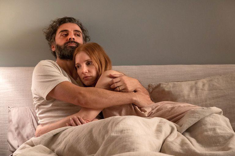 Oscar Isaac y Jessica Chastain en la serie Escenas de un matrimonio (2021)