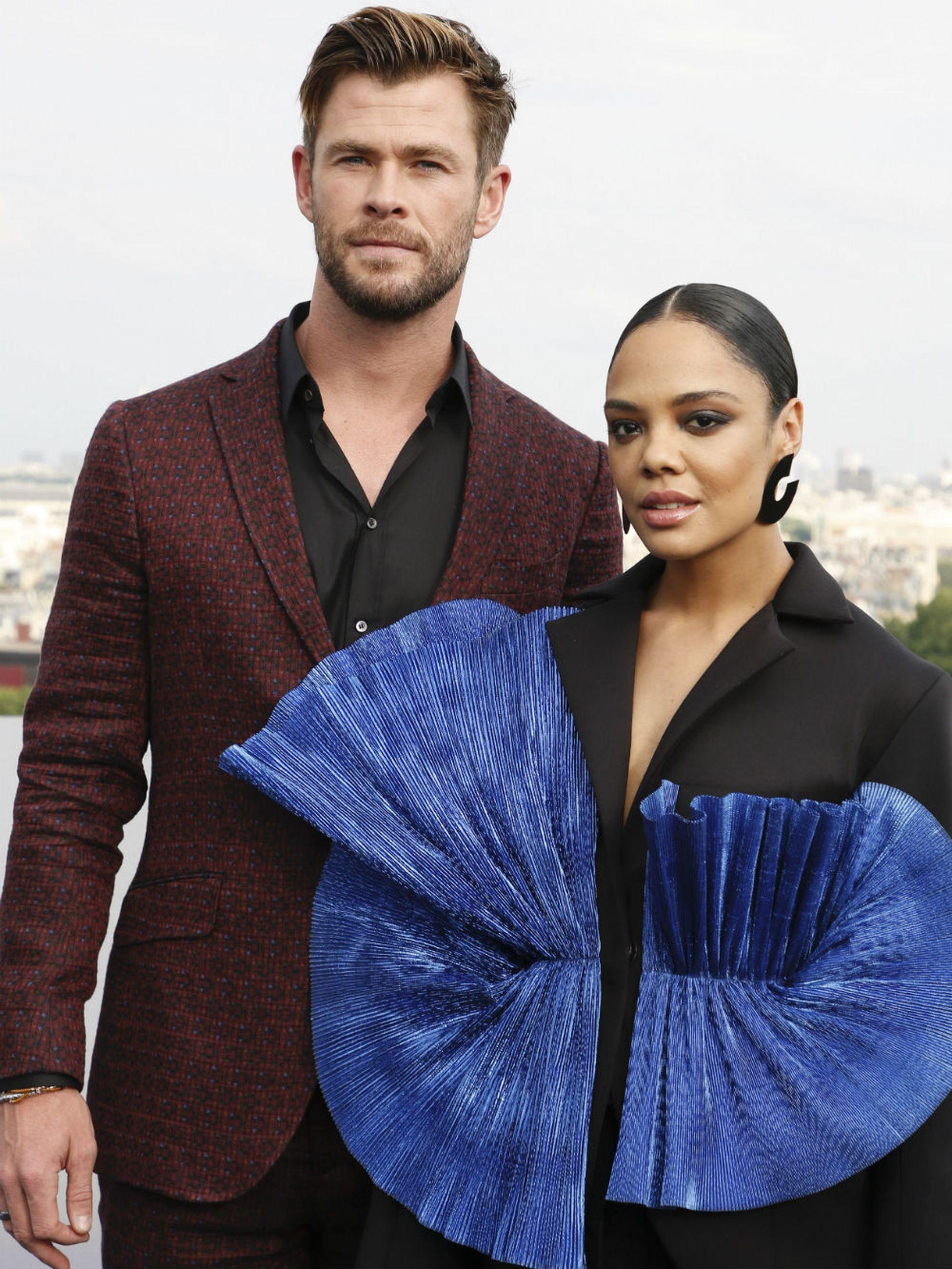 Chris Hemsworth y Tessa Thompson, muy cool en la premiere del film que protagonizan, Hombres de negro: internacional
