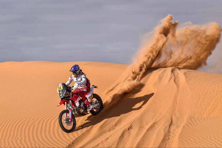 Laia Sanz quedó en la decimoquinta posición de la sexta etapa (motos).