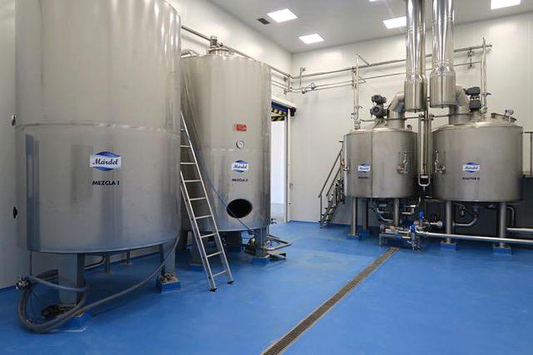 Los hermanos Caro tienen dos plantas en España y 50 empleados.