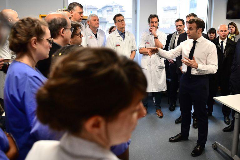 Macron, en días previos, en reuniones con médicos