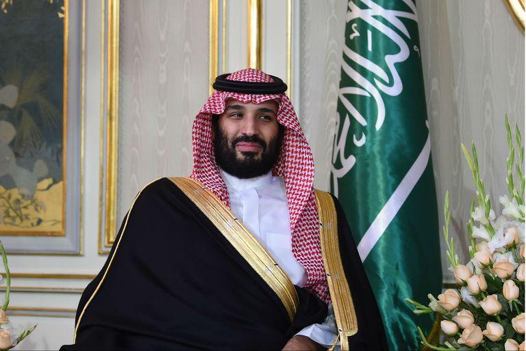 """El príncipe heredero saudita dijo que usaría """"una bala"""" contra Khashoggi"""