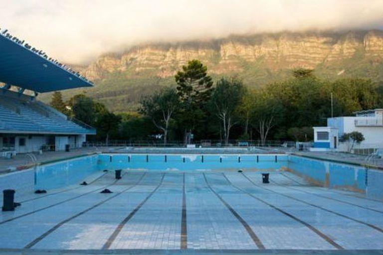 Ciudad del Cabo, en Sudáfrica, sufrió una grave crisis de desabastecimiento de agua en 2018, lo que obligó a imponer restricciones en el uso del recurso
