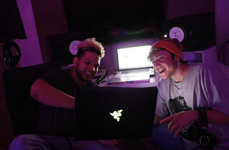 Paulo y Ovy en estudio, cuando grababan juntos