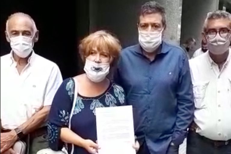 José Sbatella, Alessandra Minnicelli y Gabriel Mariotto se presentaron hoy en la sede del PJ nacional, en la calle Matheu, con los avales para su lista, encabezada por Alberto Rodríguez Saá