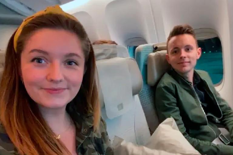 Una especialista en viajes reveló el truco para no sentarse junto a desconocidos en el avión