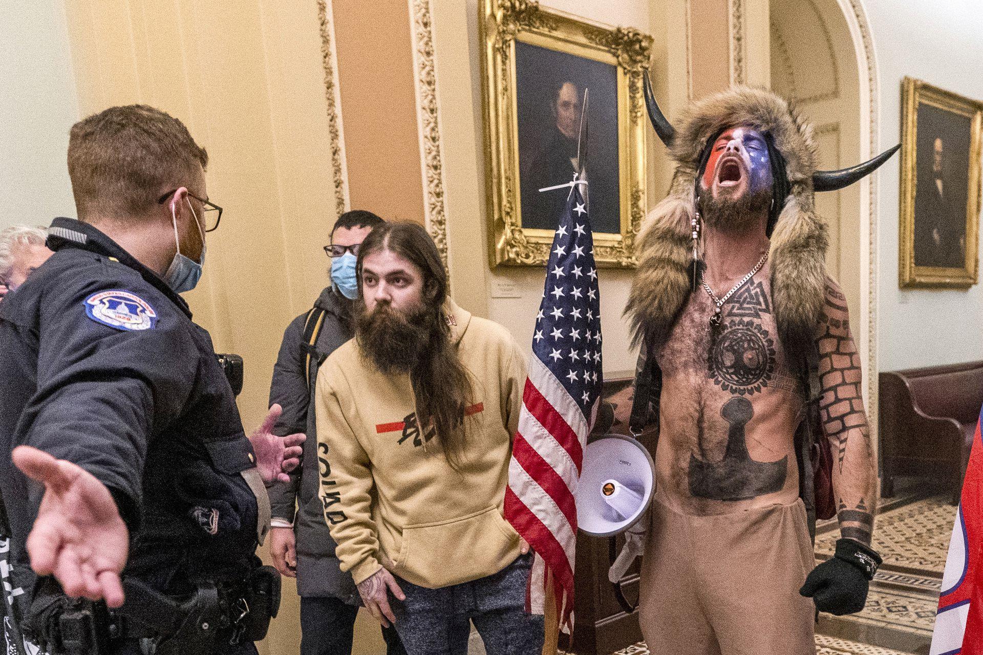 Una de las imágenes más recordadas de la toma del Capitolio en enero pasado