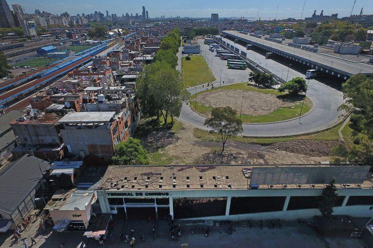 La terminal se encuentra cerrada por la pandemia. Actualmente cumple su función la Estación Dellepiane, propiedad de Otero.