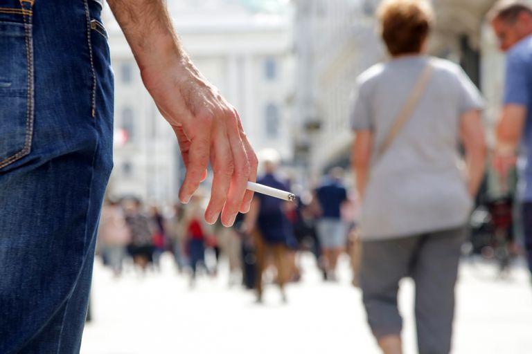 Tabaquismo: Estiman que está asociado con una de cada siete muertes en el país