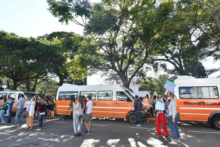 Dueños de transportes escolares se sumaron a las protestas