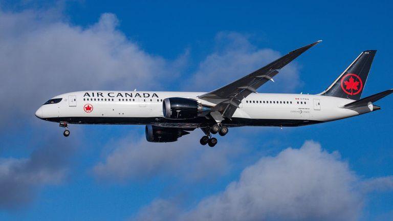 Tres líneas aéreas vuelven a operar en la Argentina desde diciembre