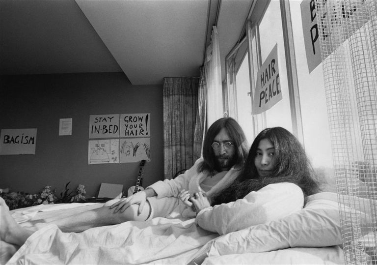 Bed In: registro de la protesta de John Lennon y Yoko Ono contra la guerra de Vietnam, durante su luna de miel en Ámsterdam (1969)