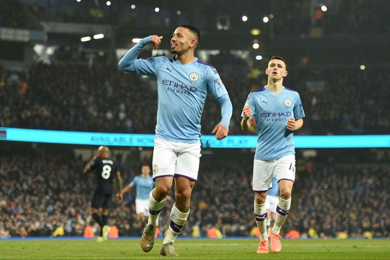 Manchester City-Everton. Los goles de Gabriel Jesús dejaron al Kun en el banco