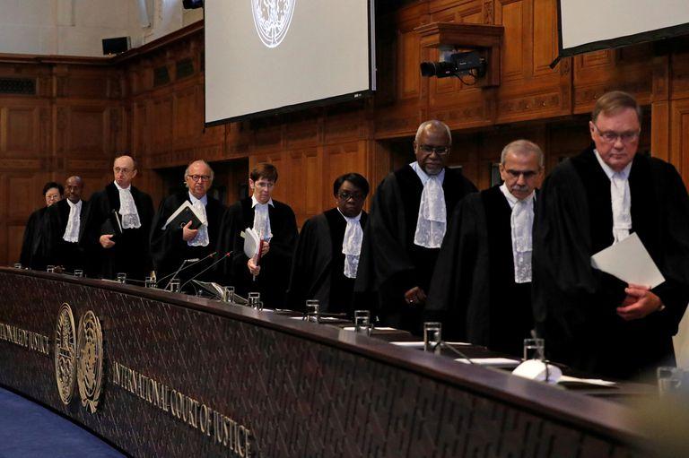 El presidente Evo Morales esperó los argumentos en el tribunal de Holanda