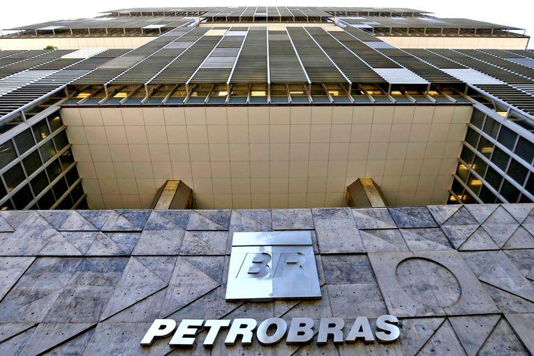 """Petrobras le apunta un grupo de empresas por supuestos """"daños morales colectivos"""""""
